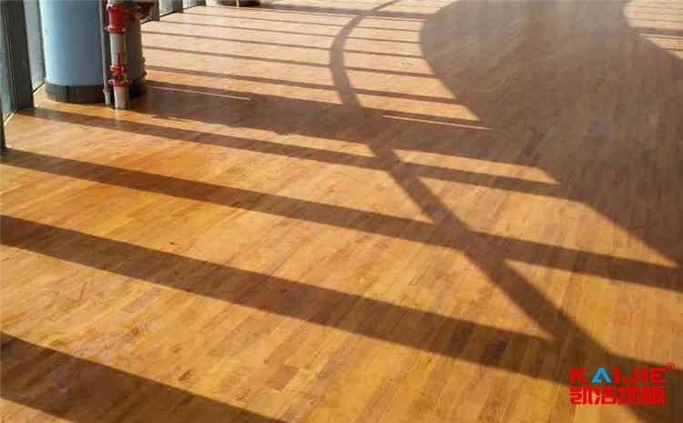 学校运动木地板打磨翻新