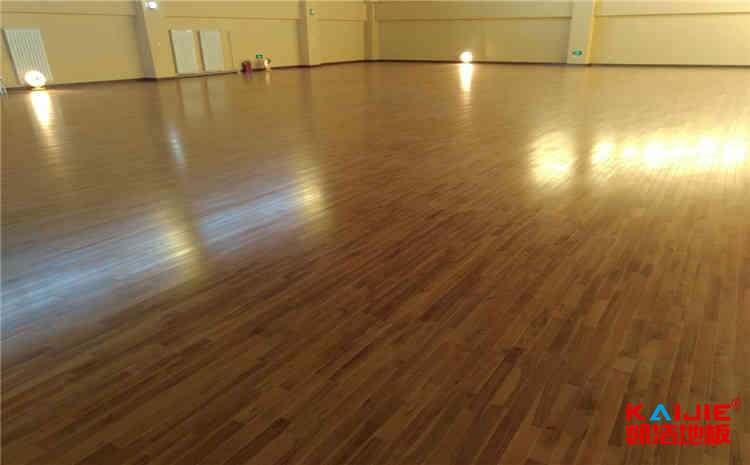 南京企口实木运动地板多少钱一平米