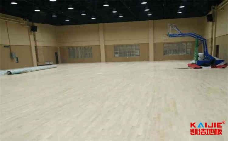学校篮球馆木地板哪些品牌