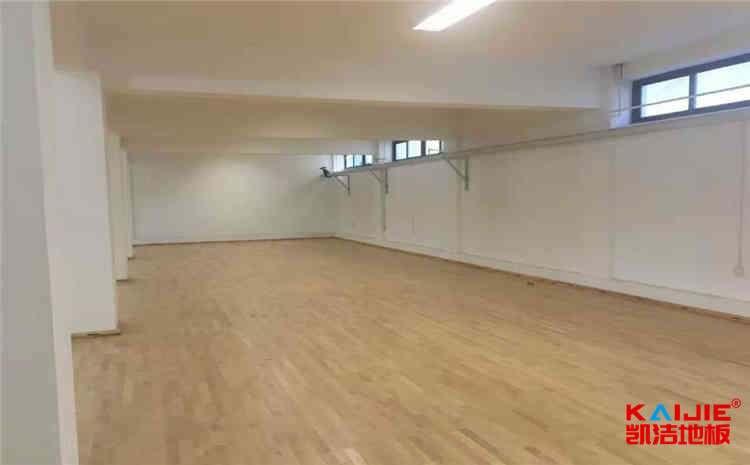 比赛场馆实木运动地板怎么维护