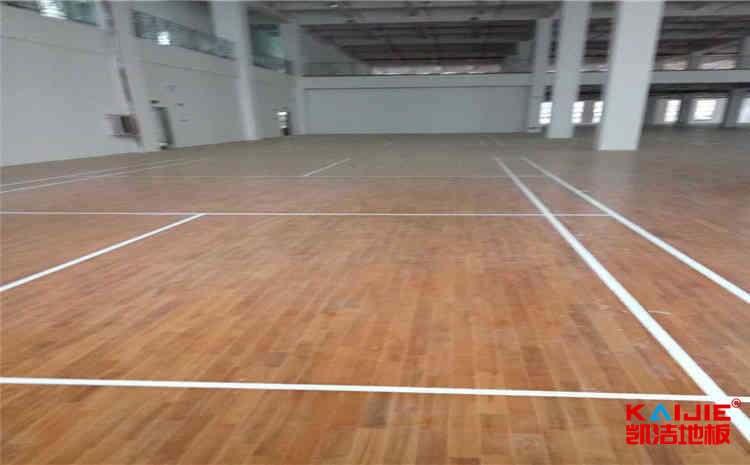 哈尔滨柞木体育地板图片