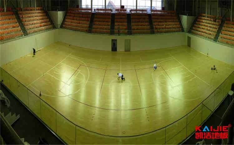 俄勒冈松篮球场实木地板翻新施工