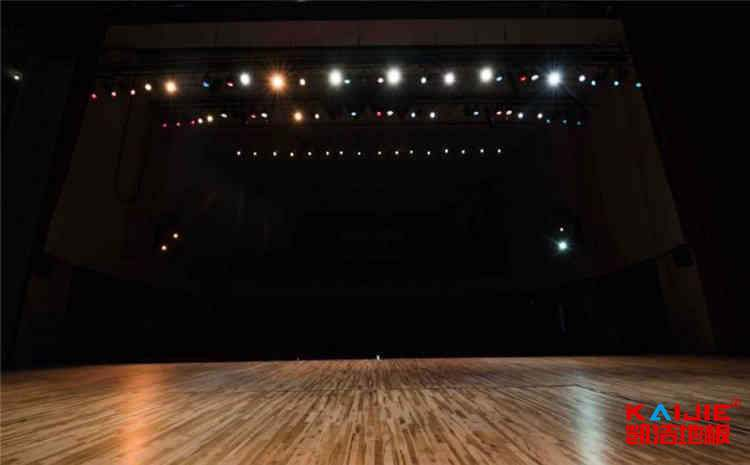 枫木舞台运动木地板造价