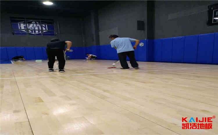 橡胶木体育馆木地板厂**去哪找?