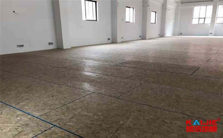 篮球场木地板价格多少钱?