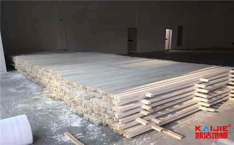 影响运动木地板价格的主要因素是什么?