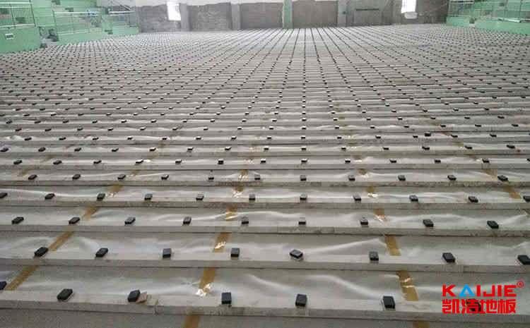 国内运动木地板安装