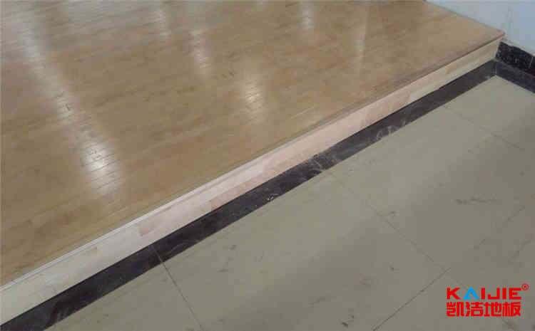 武汉篮球地板一般多少钱
