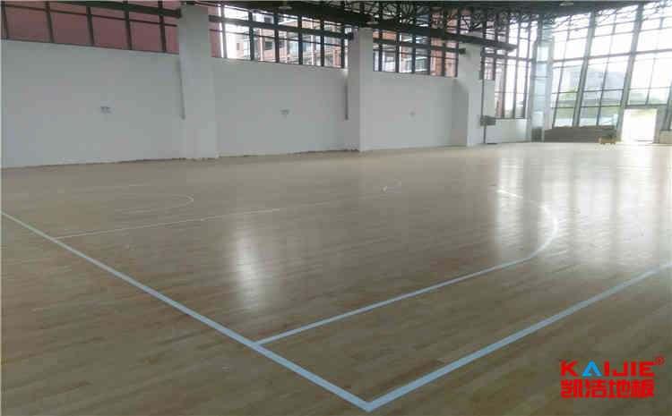 专用篮球场地板翻新