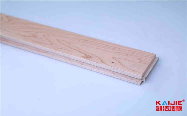 篮球场木地板具体清洁如何操作?