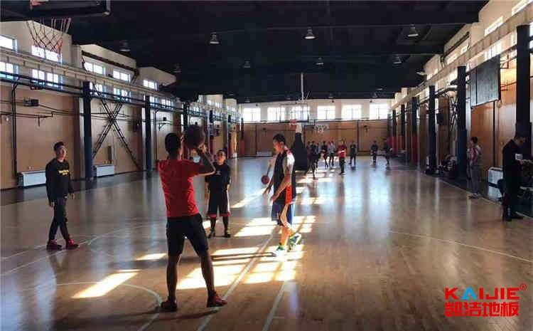 常用的篮球馆木地板大全