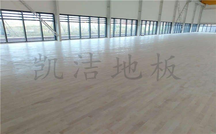 湖北武汉青山区羽毛球馆木地板项目案例